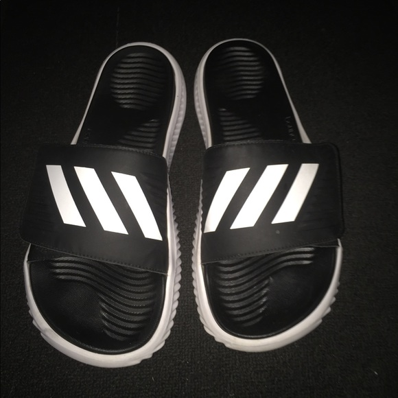 4756da74756f40 adidas Other - Adidas Bounce (padded slides)